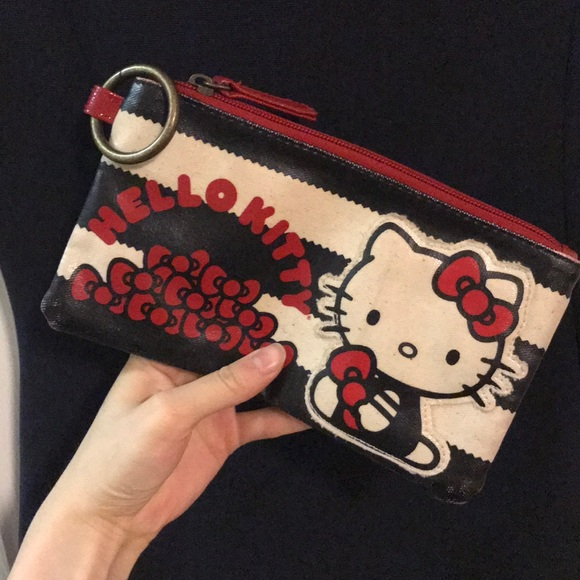 9322884ebe6a Vintage Hello Kitty zipper wallet